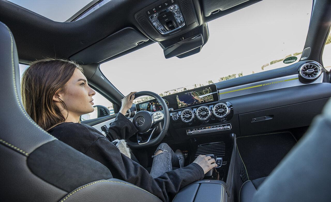 自動車業界の「Siri」になる? メルセデス・ベンツの「エージェント」